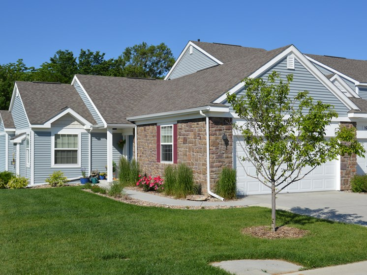Maintained Lawns at Lynbrook Apartment Homes and Townhomes, Elkhorn, NE, 68022