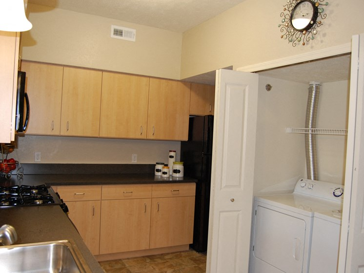 Efficient Appliances at Lynbrook Apartment Homes and Townhomes, Nebraska