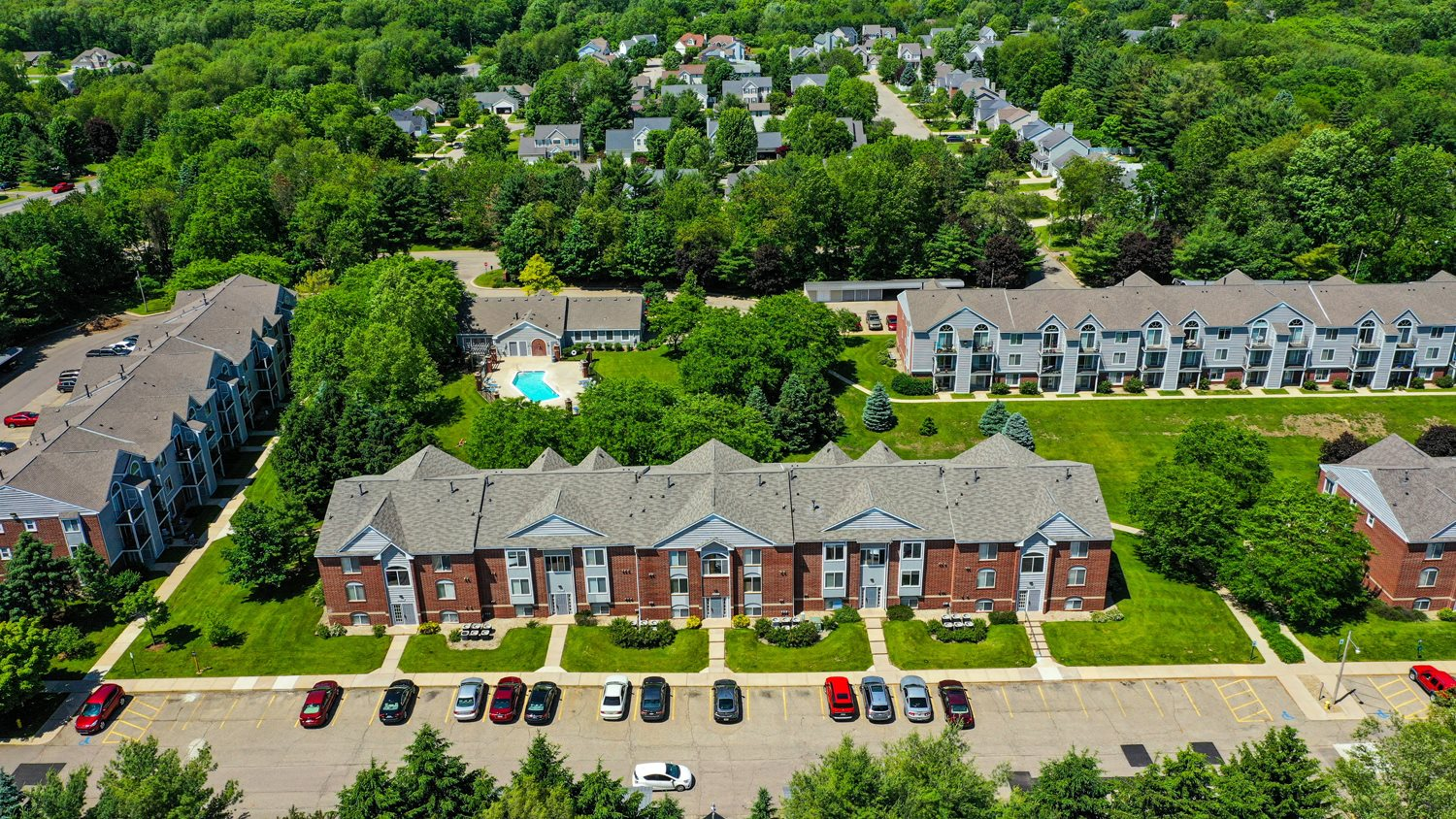 Off Street Parking Available at Foxwood and The Hermitage, Portage, Michigan
