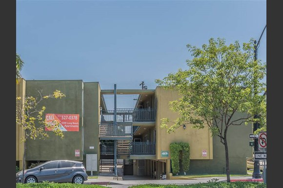 Westland @ Long Beach Apartments, 5500 Long Beach Blvd, Long