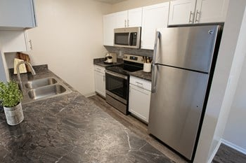 1503 S Galena Way 1-2 Beds Apartment for Rent Photo Gallery 1