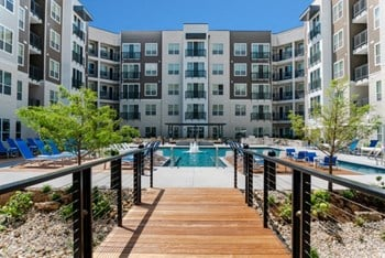 5700 Highlands Plaza Drive Studio-3 Beds Apartment for Rent Photo Gallery 1