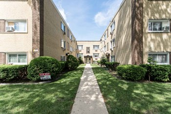 7220 N Bell Ave 1-2 Beds Apartment for Rent Photo Gallery 1