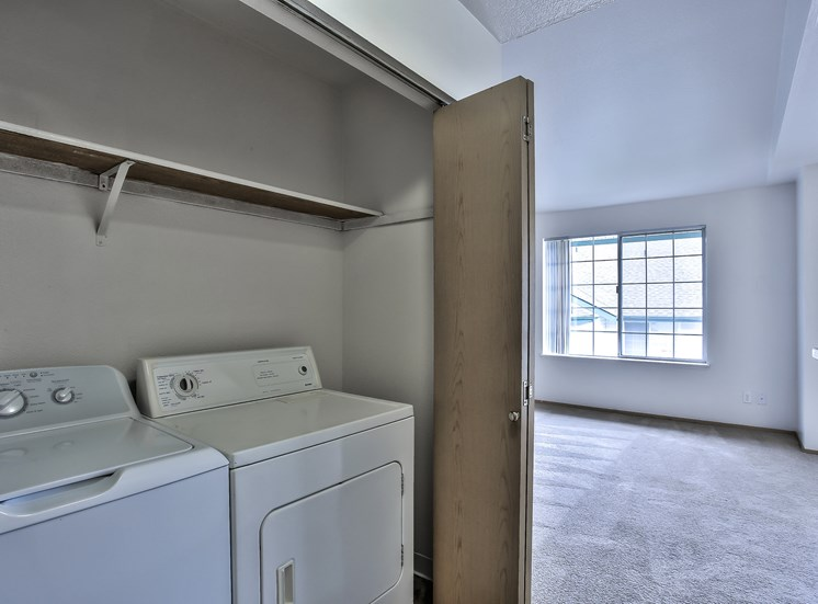 J301-Full Washer & Dryer