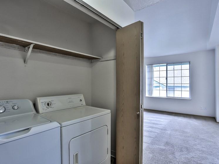 J301-Full Washer & Dryer