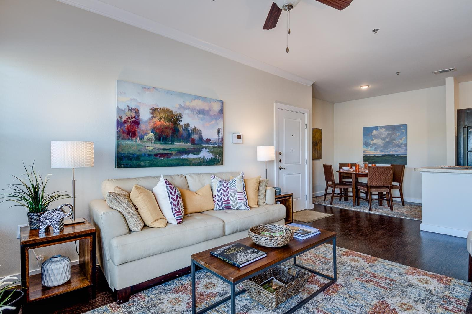 High Ceilings at La Contessa Luxury Apartments, Texas, 78045