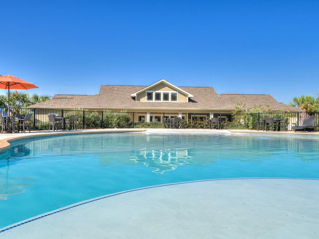 Resort Style Pool with Sun Pavilion at La Contessa Luxury Apartments, Laredo