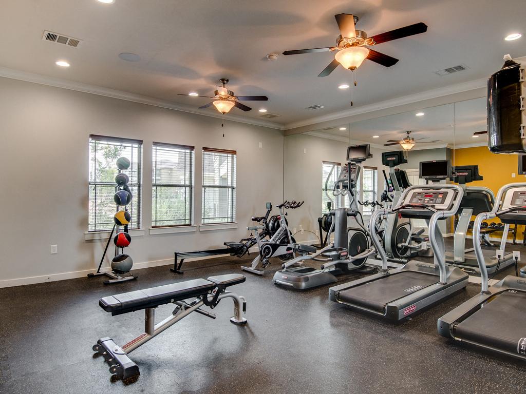 Professional-Grade Fitness Center at La Contessa Luxury Apartments, Laredo,Texas