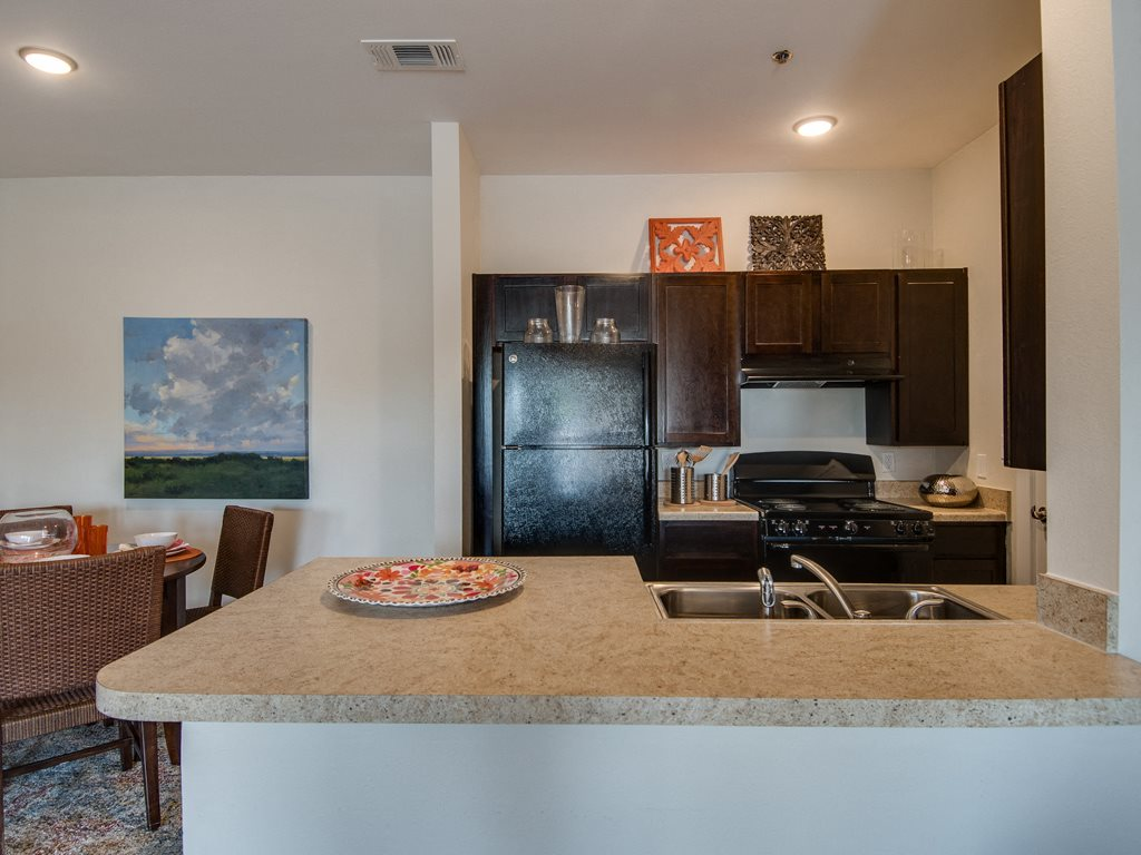 Laredo luxury apartments for rent la contessa luxury - 2 bedroom apartments in laredo tx ...