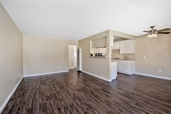 321 East Lincoln Avenue 1-2 Beds Apartment for Rent Photo Gallery 1