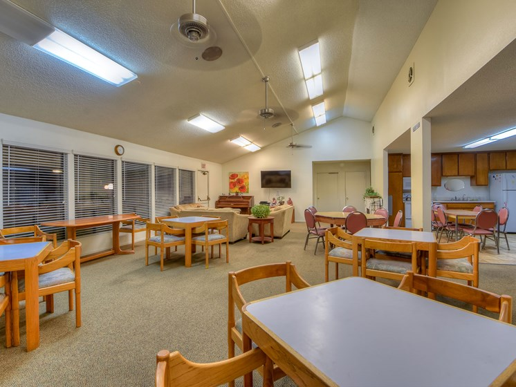 Heritage Plaza Apartment Homes Recreation Room