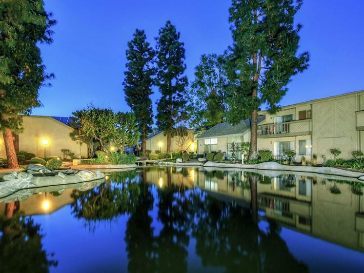 The Streams Apartment Homes Lake View
