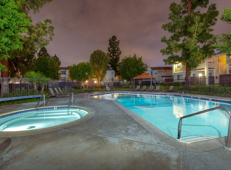 Windwood Apartment Homes Pool & Spa