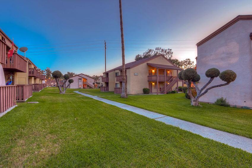 Walking Paths at WOODSIDE VILLAGE, West Covina, California