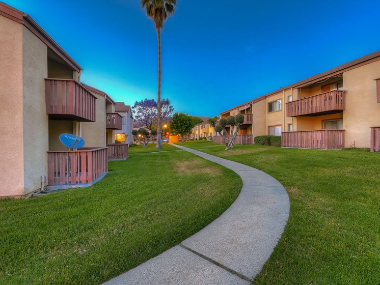 Walking Paths In Courtyard at WOODSIDE VILLAGE, West Covina