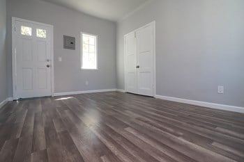 1000 Redondo Ave Studio-1 Bed Apartment for Rent Photo Gallery 1