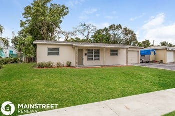 5171 SW 6th St 3 Beds House for Rent Photo Gallery 1