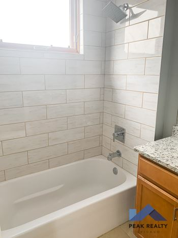 *4006 S. Western Ave. Studio-3 Beds Apartment for Rent Photo Gallery 1