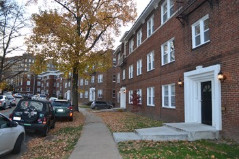 214 Emanuel Cleaver II Blvd 1-2 Beds Apartment for Rent Photo Gallery 1