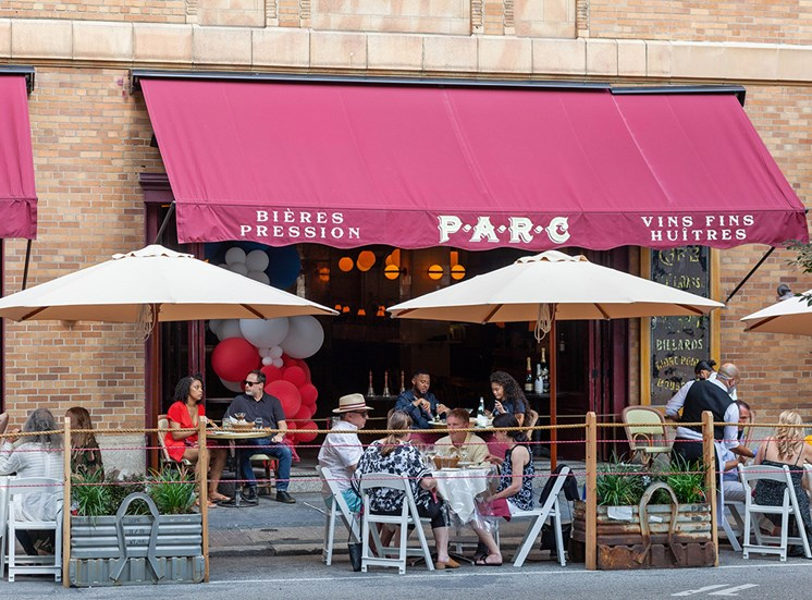 Outdoor Dining in Rittenhouse Square