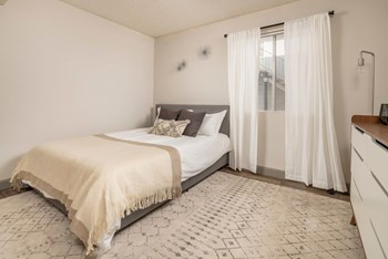 3202 N. Country Club Road Studio-2 Beds Apartment for Rent Photo Gallery 1