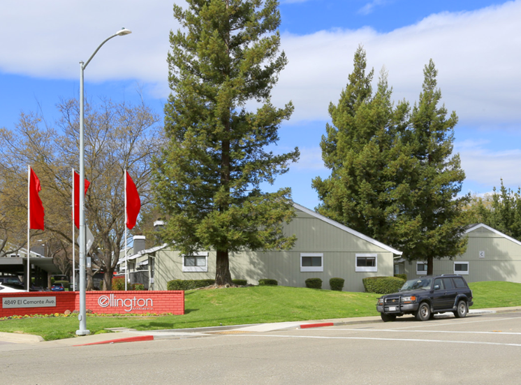 Exterior Community Entrance l Ellington Apartments in Davis CA