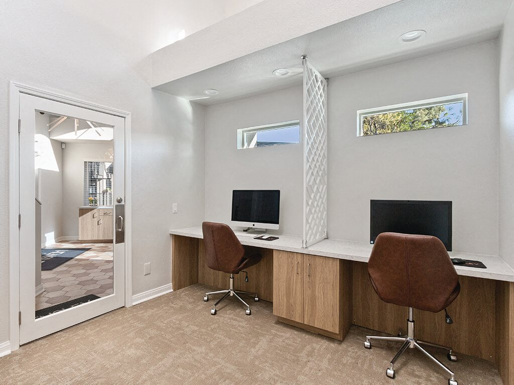 Business center at Hensley at Corona Pointe Apartments
