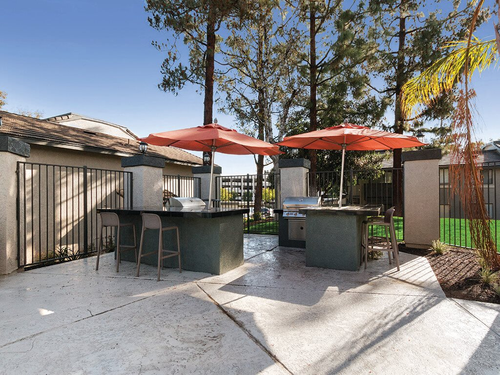 Grills at Hensley at Corona Pointe Apartments
