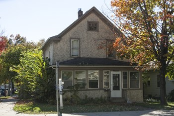 2526 Como Ave SE 5 Beds Apartment for Rent Photo Gallery 1