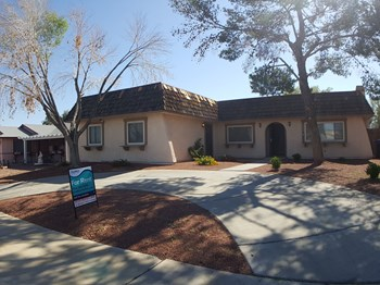 240 Palo Verde Drive 4 Beds House for Rent Photo Gallery 1