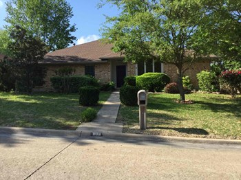 603 Lake Meadows Drive 4 Beds House for Rent Photo Gallery 1