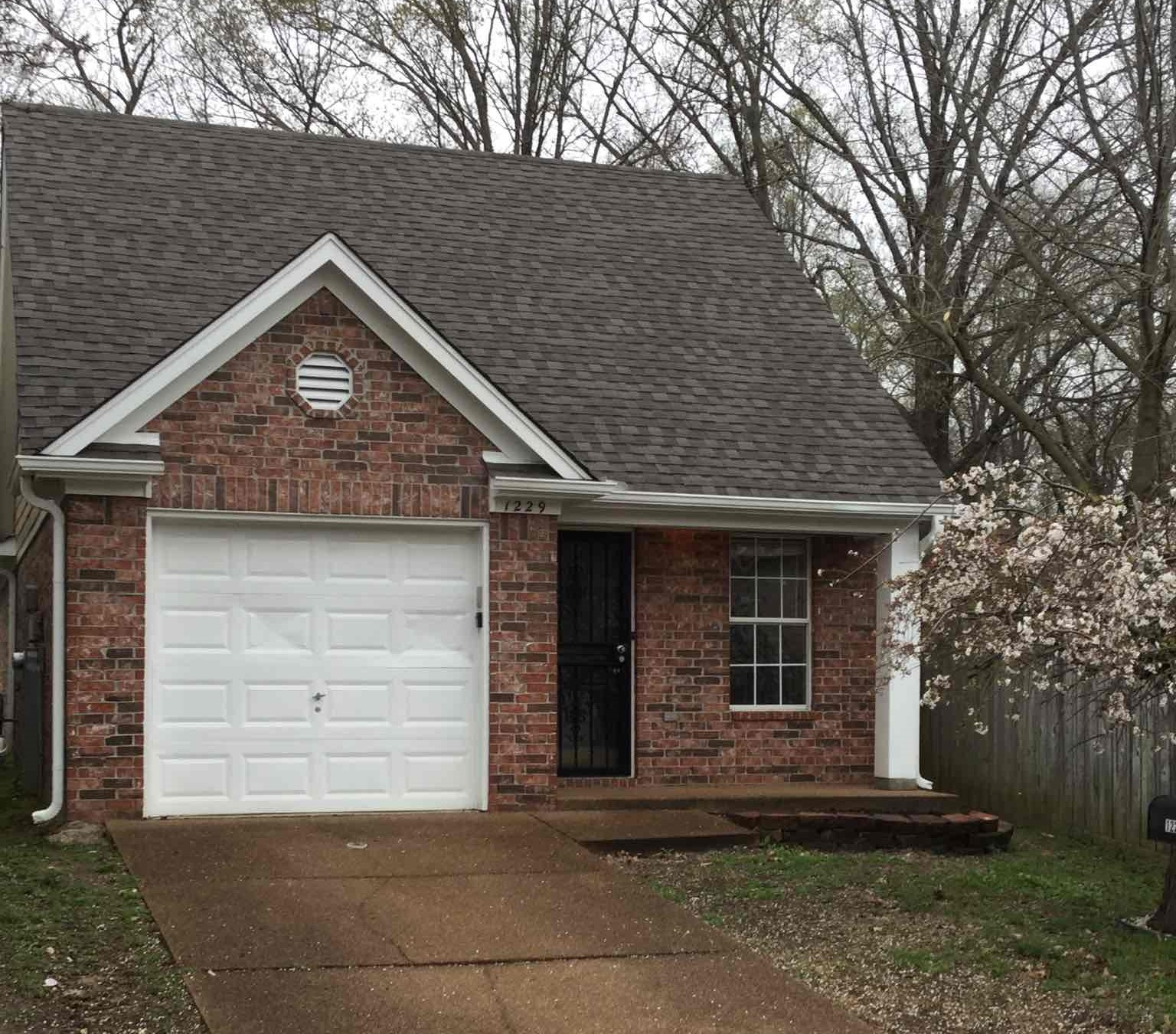 1229 Caleb Ridge Drive 3 Beds House For Rent. Home In Cordova