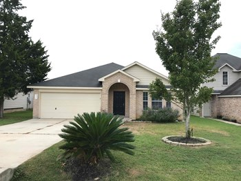 13988 Buckskin Dr 3 Beds House for Rent Photo Gallery 1