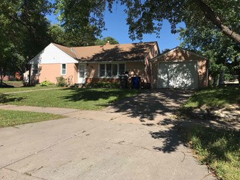 1541 Ivy Ave E 4 Beds House for Rent Photo Gallery 1