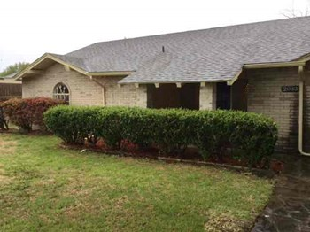 2033 Old Mill Run 3 Beds House for Rent Photo Gallery 1