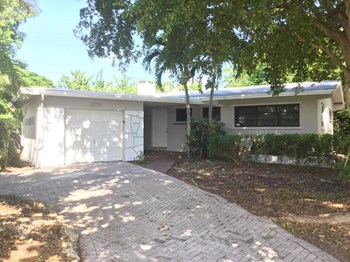 20715 Leeward Lane 3 Beds House for Rent Photo Gallery 1