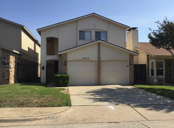 2933 Southern Cross Drive 3 Beds House for Rent Photo Gallery 1