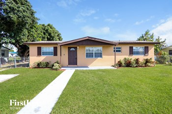 30207 SW 158 Place 4 Beds House for Rent Photo Gallery 1