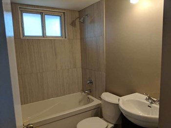 98 Palmer Rd. 3 Beds Apartment for Rent Photo Gallery 1