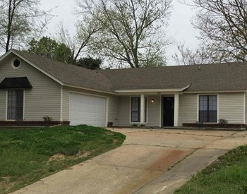 4266 Crump Road 3 Beds House for Rent Photo Gallery 1