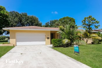 4431 Holly Drive 4 Beds House for Rent Photo Gallery 1