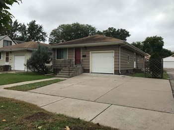 4544 Clinton Ave S 4 Beds House for Rent Photo Gallery 1