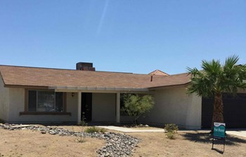 5909 San Fernando Drive 3 Beds House for Rent Photo Gallery 1