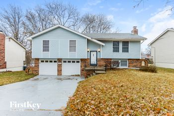 8827 N Walnut Street 3 Beds House for Rent Photo Gallery 1