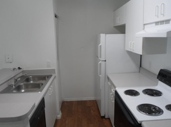 2750 US Highway 1 South 2-3 Beds Apartment for Rent Photo Gallery 1