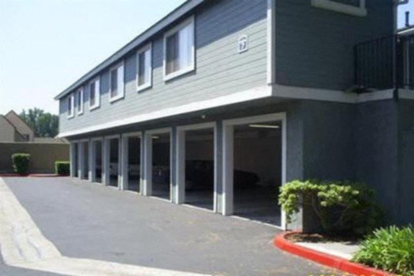 Southridge_Pomona CA_Carport Parking