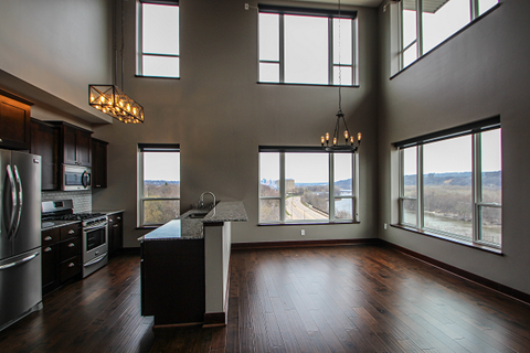 2 Story Penthouse with upgraded finishes and electric shades