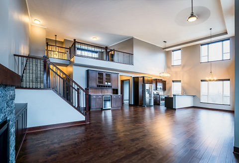 2 Story Penthouse Suite Overlooking Mississippi River