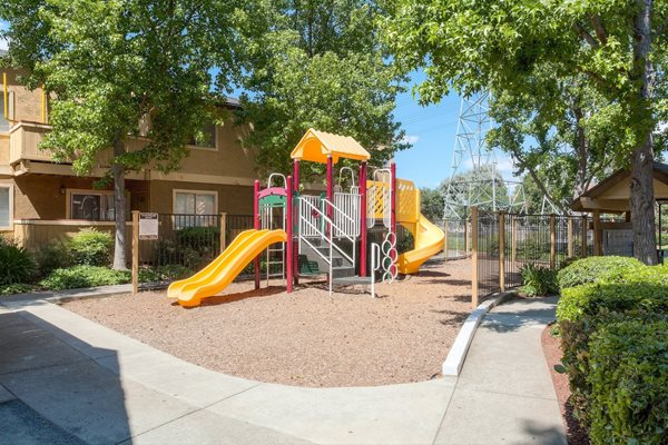 Concord, CA Crossroads Apartments kitchen playground