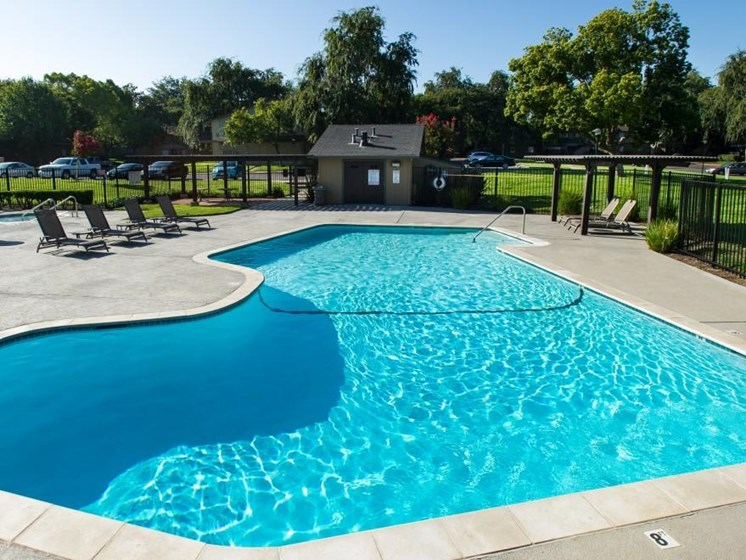 Livermore, CA Ironwood Apartments pool
